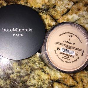 BareMinerals Matte Medium 10 powder foundation